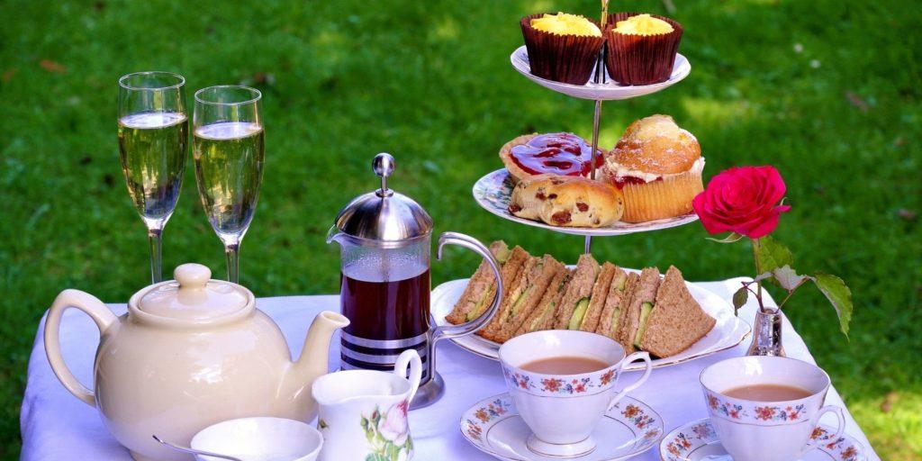 Afternoon tea med champagne (2)